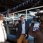 PLAG-Vorstand Thomas Flemming im Gespräch vor dem Schätzchen Hertha-Schiff